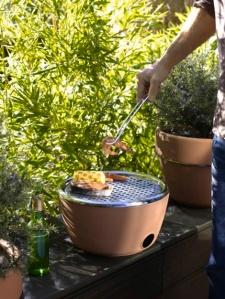 Black blum hot pot
