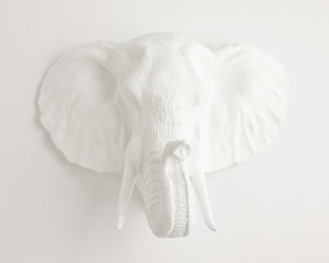 White faux taxidermy 01