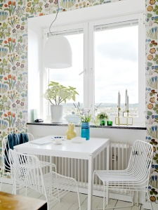 Scandinavian floral wallpaper 01