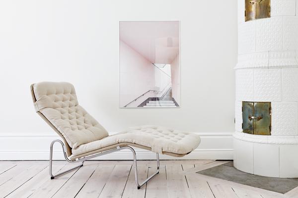 Scandinavisch Pastel Interieur : Binnenkijken in een wit en pastelroze scandinavisch interieur