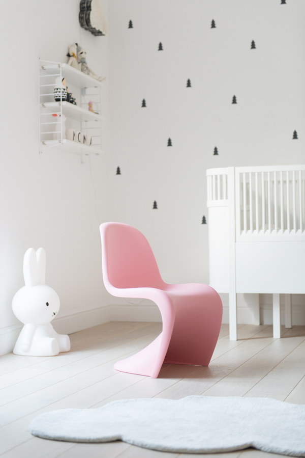Verner Panton Kids Chair Pink 01